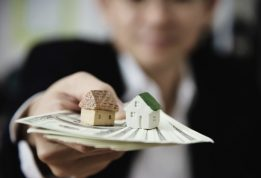 business-man-show-money-bank-note-make-financial-plan-invite-people-sell-buy-house-car-monetary-properties-loan-credit-insurance-concept_1150-13576